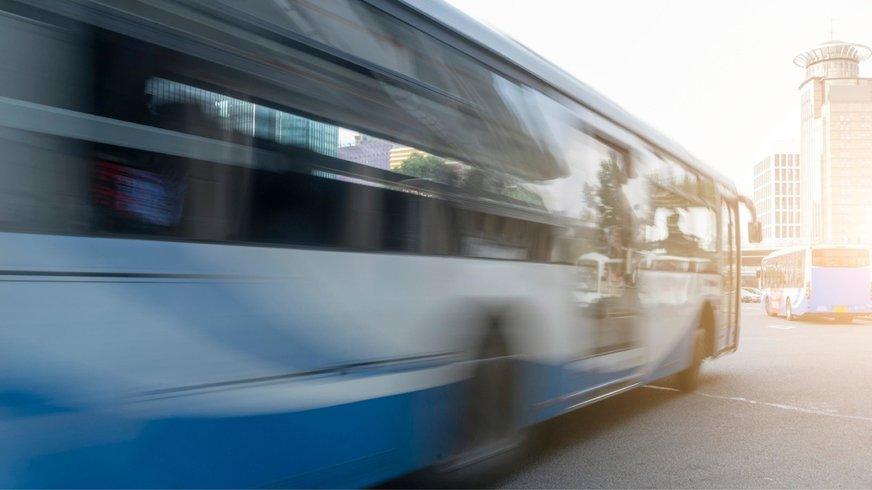 Aufnahme eines fahrenden Busses